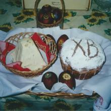 MD Coming Home: 2002, Arte-Film - Zu Tisch in Russland, Osterzeremonie 1; Fotografin: Veronika Wengert