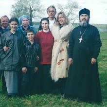 MD Coming Home: 2002, Arte-Film - Zu Tisch in Russland, Priesterfamilie mit Kamerateam; Fotografin: Veronika Wengert