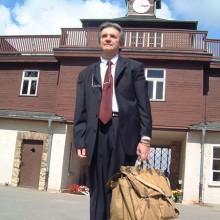 MD Coming Home: 2005, RBB Dokumentarfilm - Schatten des Schweigens, Dreharbeiten Buchenwald, Ken Kipperman; Fotograf: Peter Wensierski