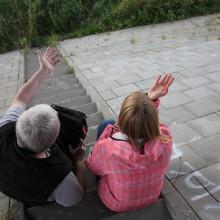 2015_Mias Traum_Dreharbeiten_Gangszene_Kamerafrau Malien Hansen_Lehrer Wolfgang Müller